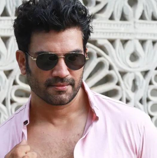 People should not blow things out of proportion as this leads to the stars getting trolled on social media: Sharad Kelkar