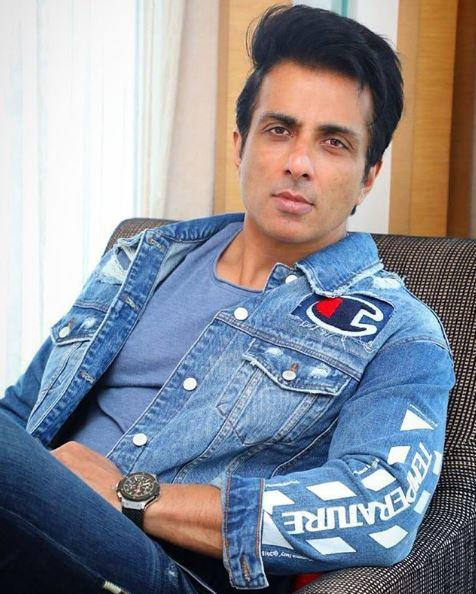 Sonu Sood set up a few kitchens in the suburb to make and deliver meals to those keeping roza