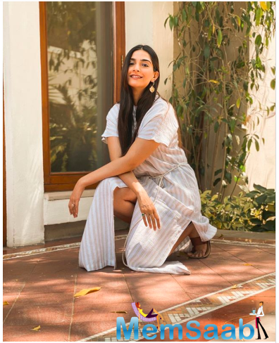 Amid the lockdown, the actress shot a photoshoot for her clothing brand at her house in Delhi.