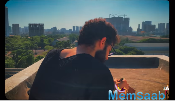 'Gully Boy' fame actor Siddhant Chaturvedi has finally released his much-awaited song 'Dhoop'