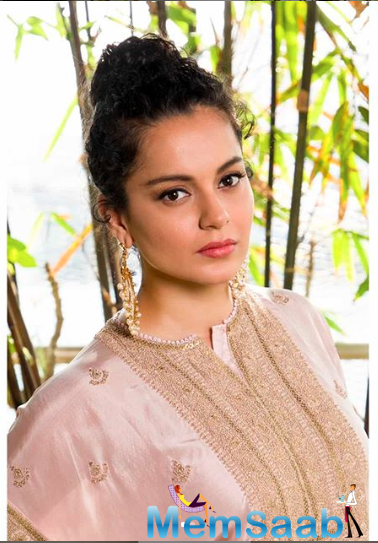 Kangana went on to add that it was better to cut China's roots in India.