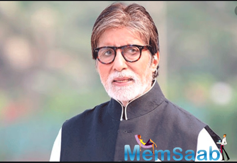Amitabh Bachchan is constantly updating his social media feed, either with his health updates or sometimes just thanking each and everyone who are praying for his speedy recovery.