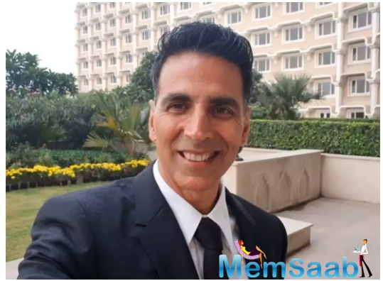 Talking about the same to a news portal, Akshay reportedly said even though he is also concerned about the coronavirus, he feels that we can no longer live in fear.