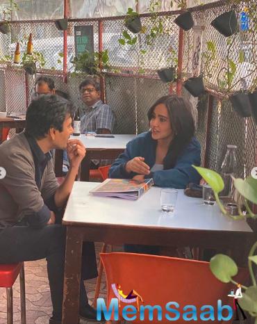 Backed by Naeem A Siddiqui, with Kiran Shyam Shroff as creative producer, the romantic comedy is written by Ghalib Asad Bhopali.