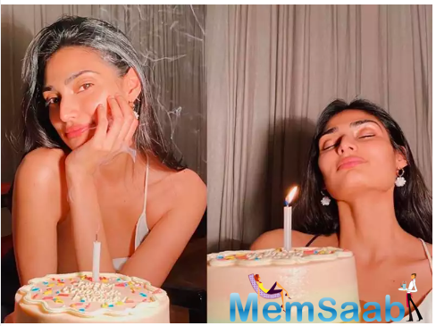 The actress looked absolutely pretty as she posed for the camera along with the birthday cake.