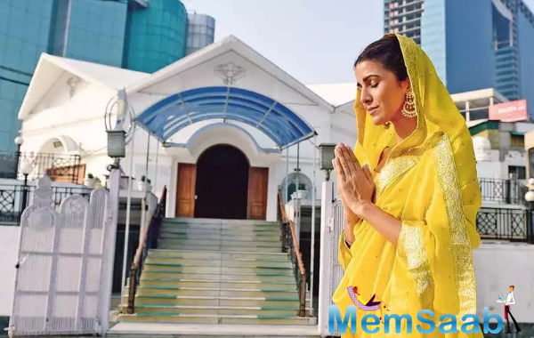 Nimrat says that she has been visiting the gurdwara in Noida Sector 18 for almost 25 years, and even when she isn't home on Gurpurab, she ensures to visit a gurdwara and serve langar.