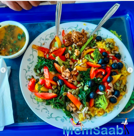 Sharing photographs of his yogic lunch platter on his verified Instagram account, Rahul Roy wrote: