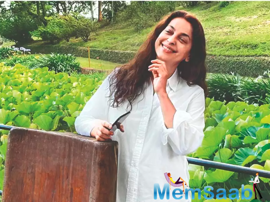 The actress recently shared a glimpse of her day on her farm social media, in which she can be seen taking lessons in gardening.