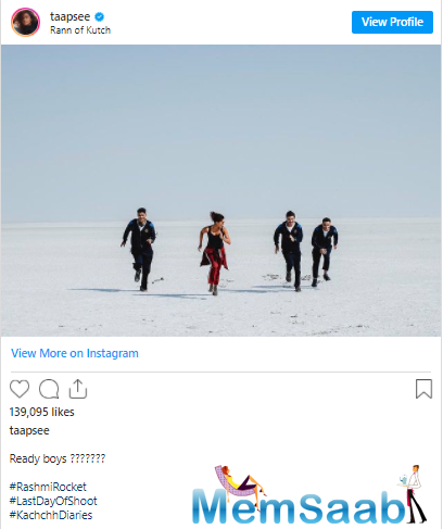 The actor seems to enjoy the ride as she smilingly waves her hands in the air. Along with the post, she said that she 'hitch-hiked' in the Rann of Kutch.