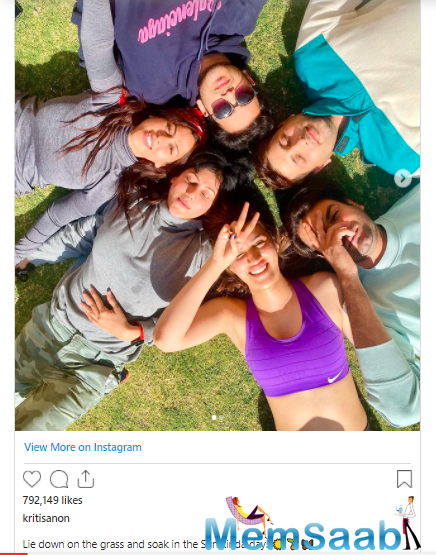 The actor uploaded images on Instagram where she is seen chilling out with producer Sajid Nadiadwala, his wife Wardha Nadiadwala, and Kriti's make-up stylist Aasif Ahmed and Adrian Jacobs.