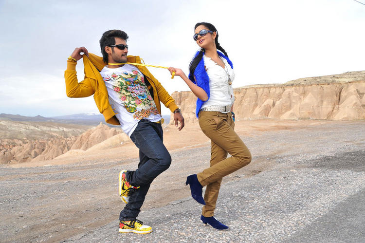 Aadi,Shanvi Lovely Cinema dance still