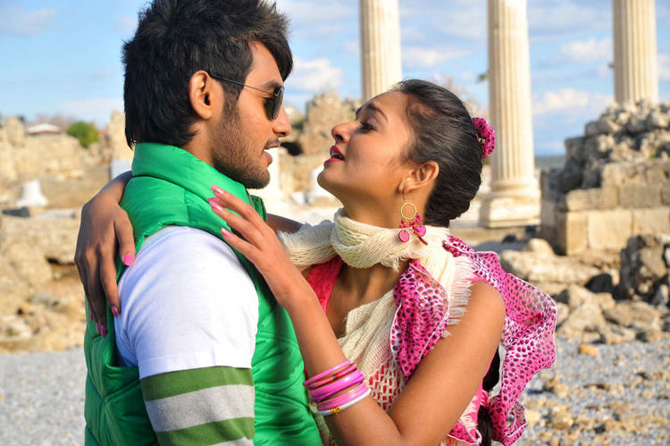 Aadi and Shanvi Lovely Cinema Hot pics