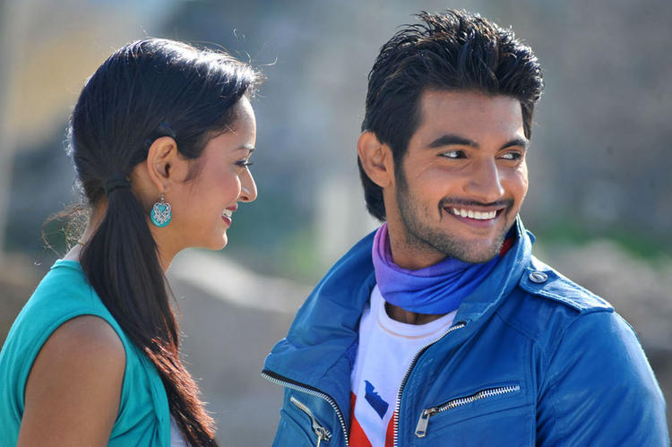 Aadi and Shanvi cute looking stills in Lovely Telugu Movie