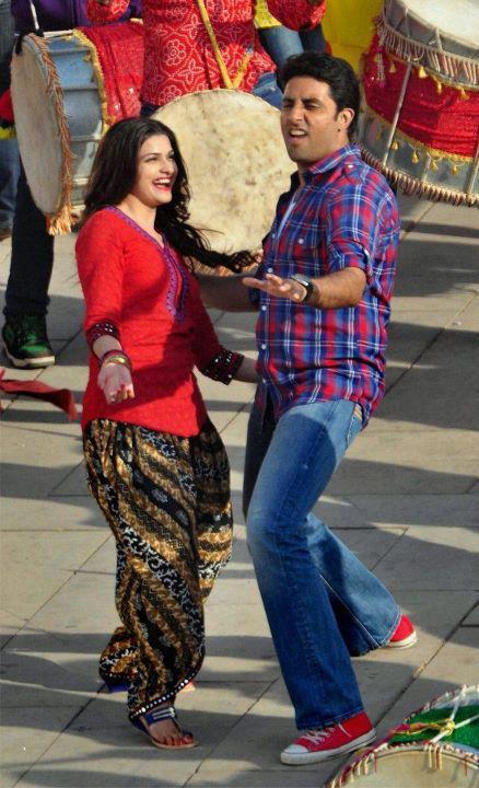 Abhishek,Prachi On The Sets of Bol Bachchan