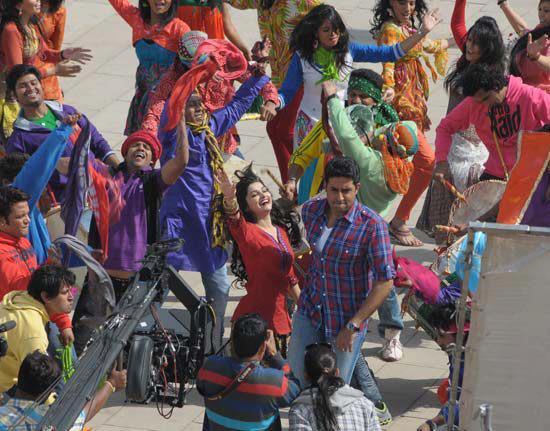 Abhishek Bachchan,Prachi Desai On The Sets Of Bol Bachchan