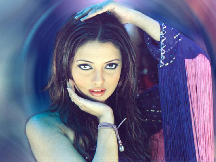 Actress Riya Sen Latest Wallpaper