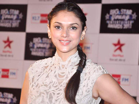Aditi Rao Hydari Sizzle at Big Star Young Entertainer Awards 2012
