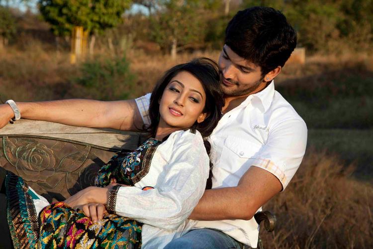 Aindrita Ray,Diganth Parijatha movie romance still