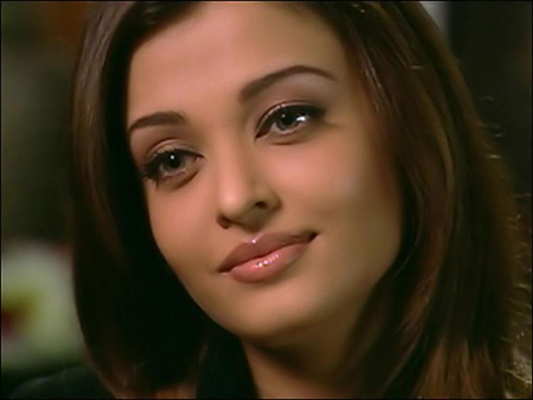 Aishwarya Rai Bachchan Beautiful Eyes Pic