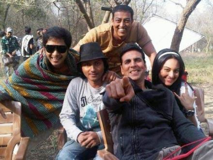 Akki and Sonakshi Sinha on The Sets Of Jocker