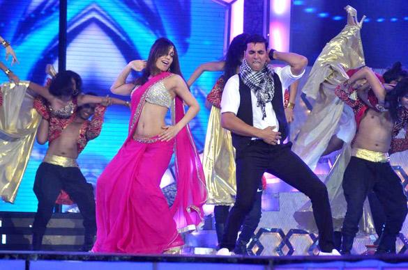 Akshay Kumar Dance Performance at Pantaloons Femina Miss India