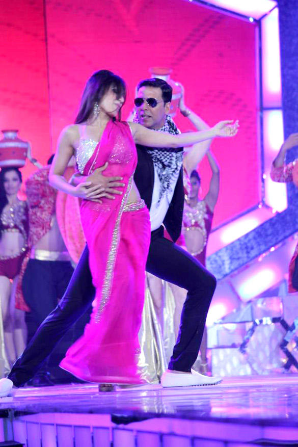 Akshay Kumar Danced at Pantaloons Femina Miss India Pageant