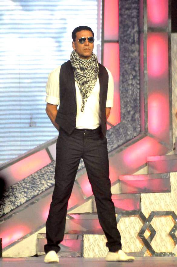 Akshay Kumar at Pantaloons Femina Miss India 2012