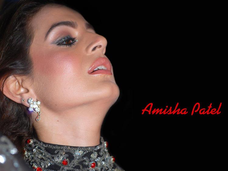 Amisha Patel - Excess Facial Makeup