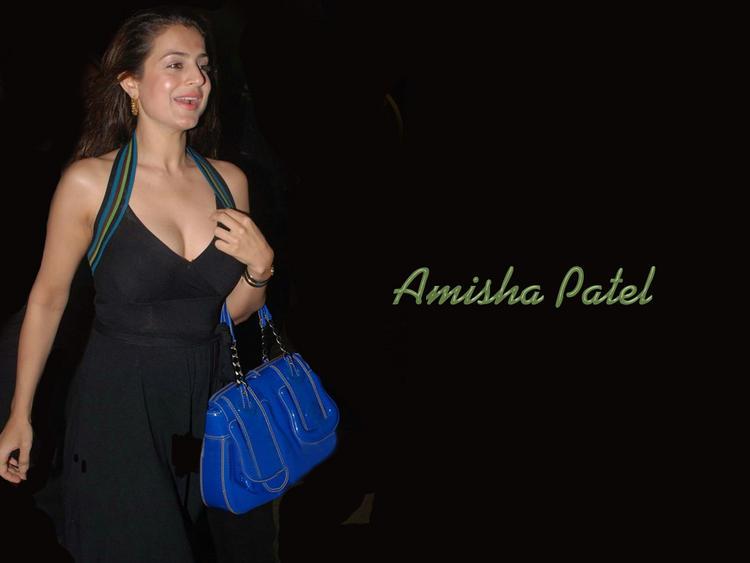 Amisha Patel Ready to Shop