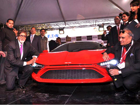 Amitabh Bachchan Poses for the photo shoot with the Super Car