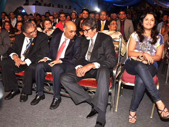 Amitabh Bachchan with Other guests at IDMA Conference