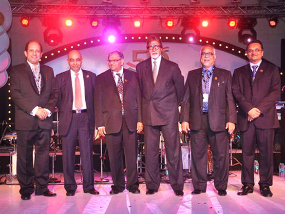 Amitabh Bachchan with other biggies at IDMA Conference