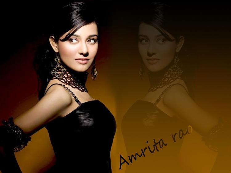 Amrita Rao Sweet Romantic Face Still