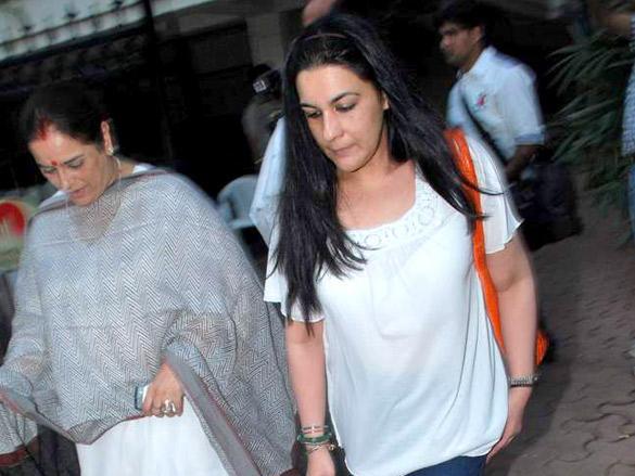 Amrita Sen at Pays Tribute to Mona Kapoor