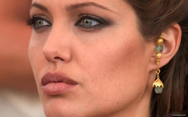 Angelina Jolie Beautiful Sexy Eyes Wallpaper