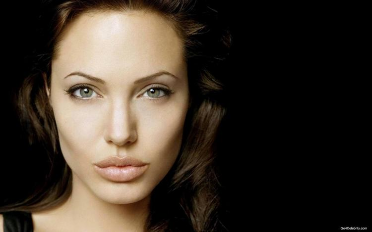 Angelina Jolie Sexy Face Wallpaper
