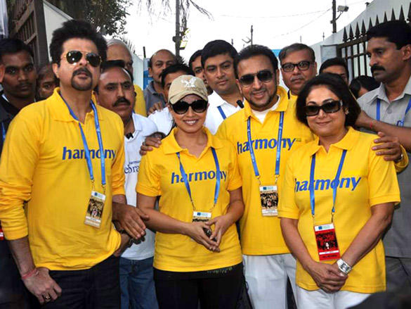 Anil Kapoor,Mahima Choudhary,Gulshan Grover,Tina Ambani at Standard Chartered Mumbai Marathon