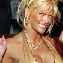 Anna Nicole Smith Open Boob Show Smile Face Photo