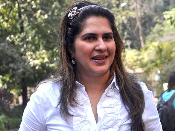 Anna Singh cast their votes in Maharashtra civic polls Mumbai