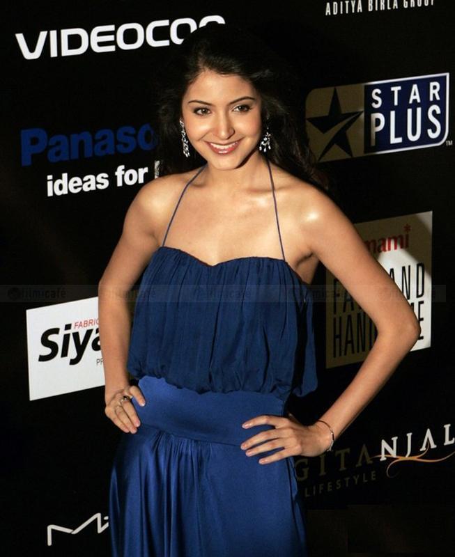 Anushka Sharma Amazing Dress Beauty Still