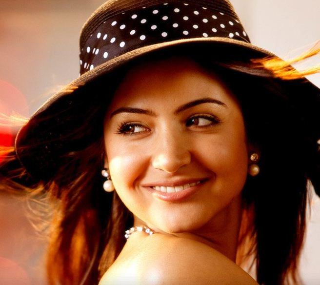 Anushka Sharma Cute Lovely Face Pic