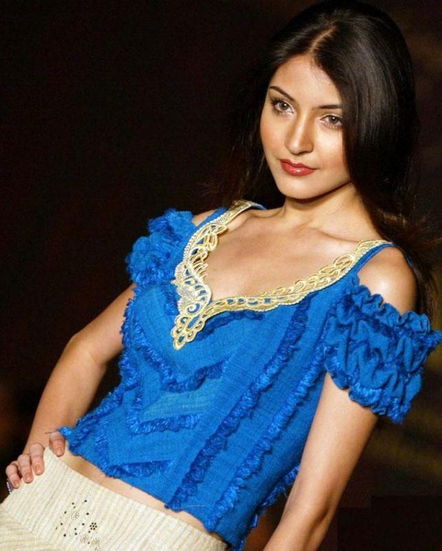 Anushka Sharma Hot Sexy Still