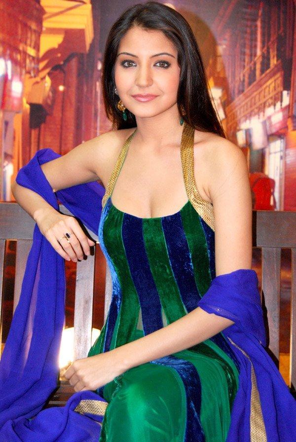 Anushka Sharma Sexy Dress Awesome Still
