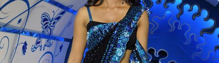 Anushka Shetty Black Saree Sexy Still