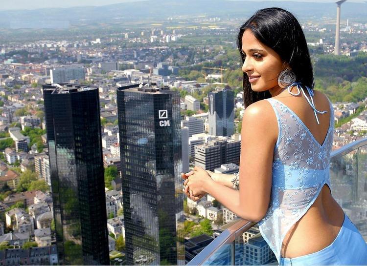 Anushka Shetty Sexy Dress Stunning Wallpaper