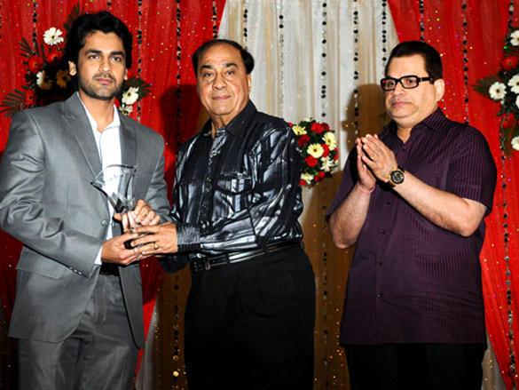 Arjan Bajwa at Hum Log Foundation Annual Awards