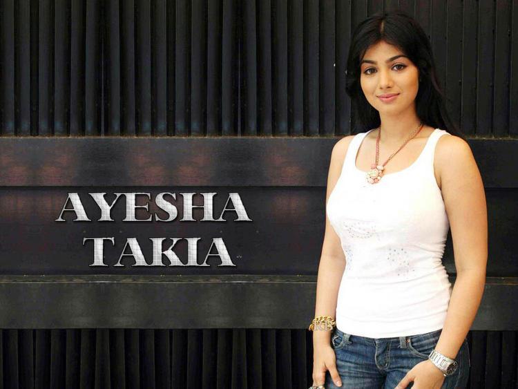 Ayesha Takia Nice Sweet Face Wallpaper