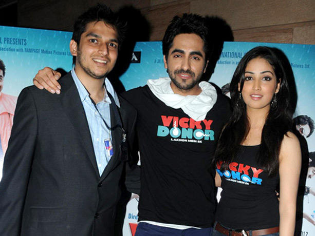 Ayushmann Khurrana,Yami Gautam Poses To Photo Shoot