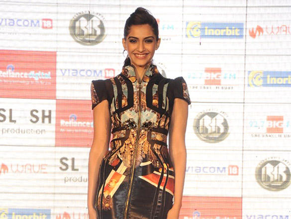 Beautiful Sonam at InOrbit mall to promote 'players