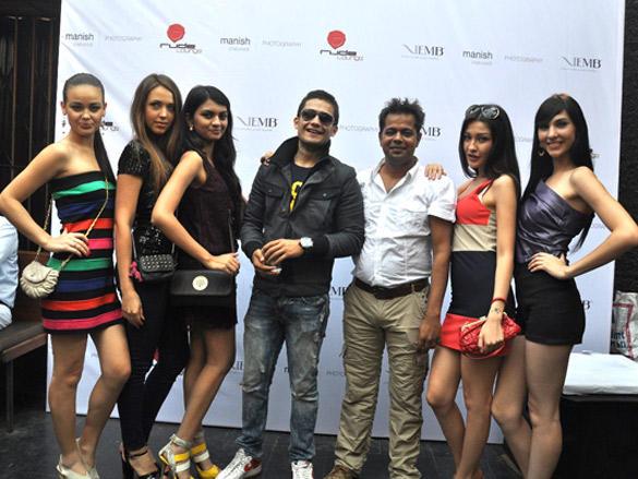 Bigg Boss contestant VJ Siddharth with models and photographer Manish Chaturvedi
